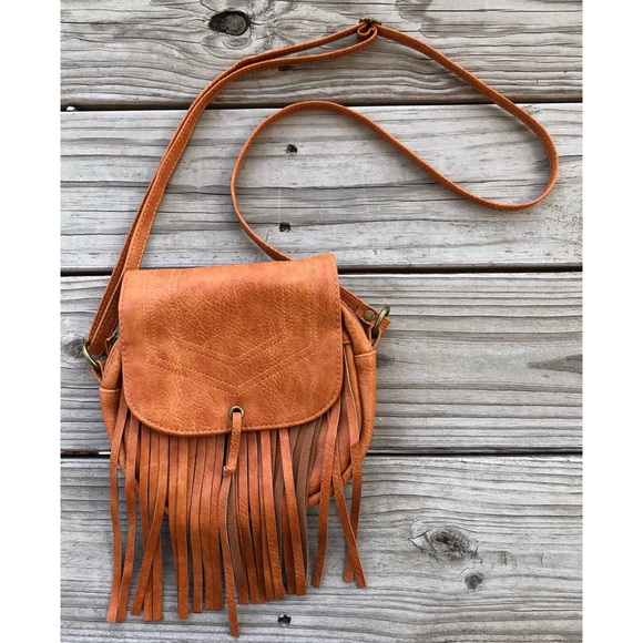 Brown Fringe Crossbody Purse. M 5b78abe30e3b863247cbadbb cd22778b452c5